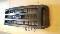 Ford Black Paintable Grille 05-07 Super Duty with emblem grill